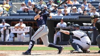 Twins overpower Yankees, smack six home runs in 7-1 win