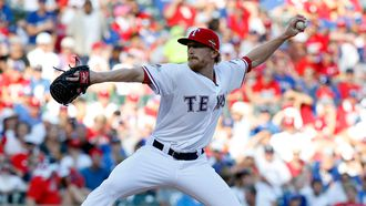 Rangers agree with Diekman on one-year deal, add Steve Johnson