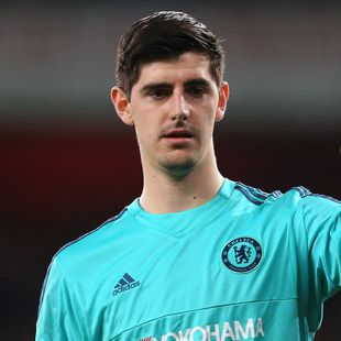 LONDON, ENGLAND - JANUARY 24: Thibaut Courtois of Chelsea during the Barclays Premier League match between Arsenal and Chelsea at the Emirates Stadium on January 24, 2016 in London, England. (Photo by Catherine Ivill - AMA/Getty Images)