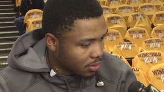Kent Bazemore falls asleep on the bench during blowout loss to Cavs