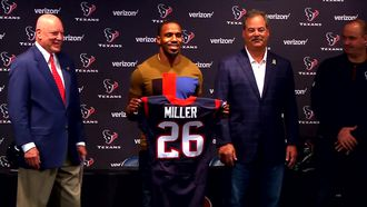 Lamar Miller introduced with Texans